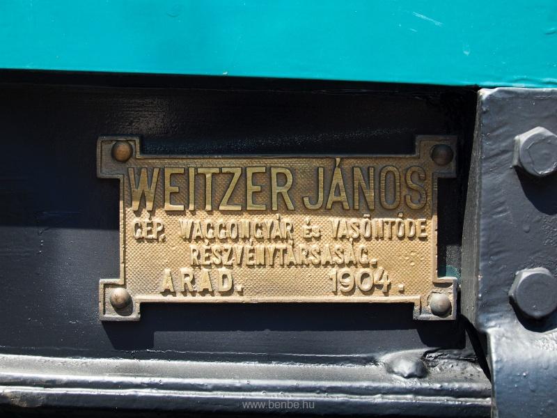 Az M297-es motorkocsi gyári táblája fotó