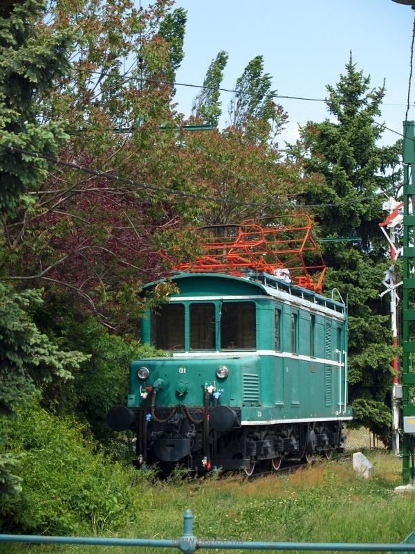 A Cinkotán kiállított LVI 31-es mozdony fotó
