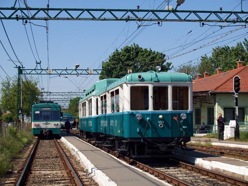 A menetrendszerinti vonatok keresztje és a Boros Béni motorkocsi kikerülése Cinkotán fotó