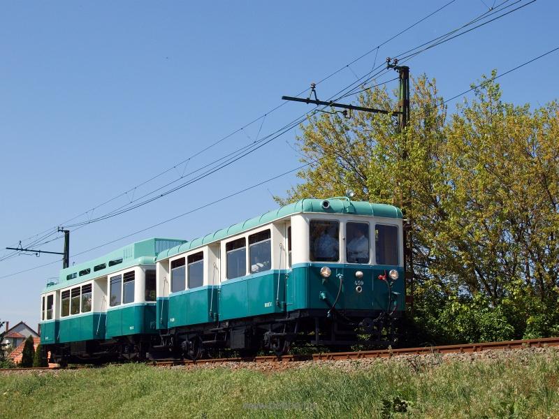 A BKV Boros Béni motorvonata Szabadságtelep és Csömör között fotó