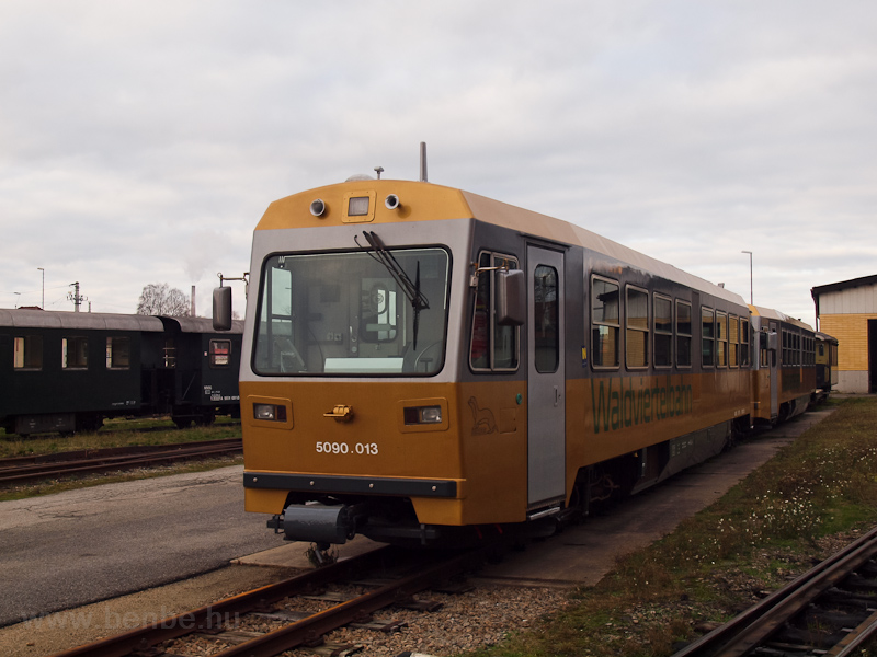 The NÖVOG golden livery 5090.013 seen at Gmünd depot on the Waldviertlerbahn photo