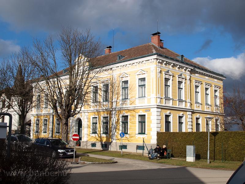 Városias ház Weitrában, a v fotó
