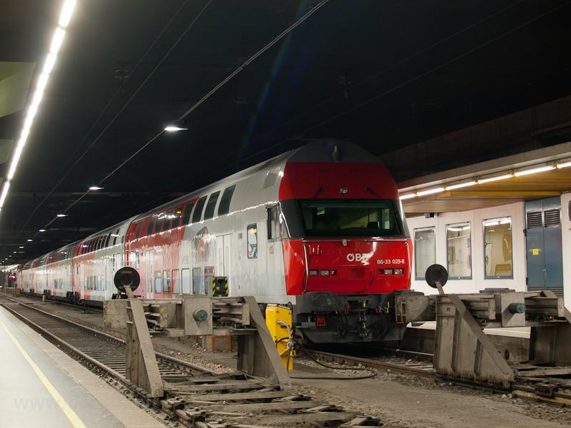 Az ÖBB 86-33 029-8 Wien Franz-Josefs-Bahnhofon fotó