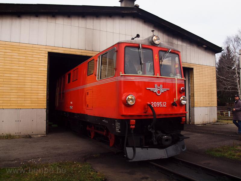 A BBÖ 2095.12 Gmünd fűtőházában fotó