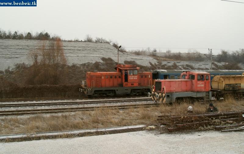 A26 098 és A29 009 az ajkai tímföldgyárban fotó