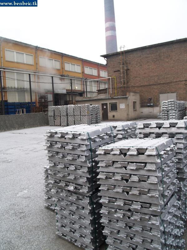 Alumíniumrudak a gáyrudvaron fotó