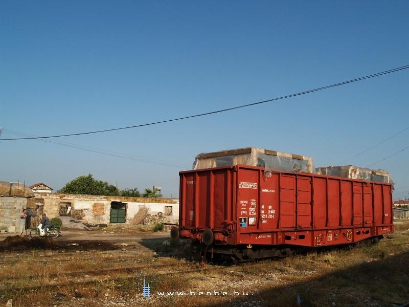 MÁV-Cargo Eams kocsi Albániában, Lushnjëban fotó