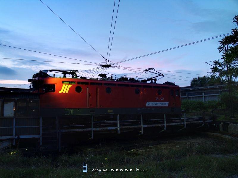 441-001 a kis fûtõház fordítókorongján fotó