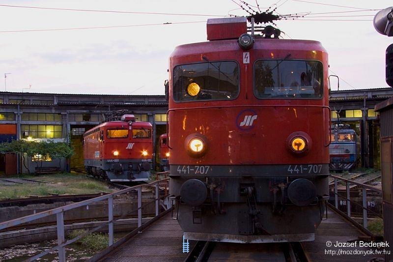 441-707 a kis fûtõházban Belgrádban fotó