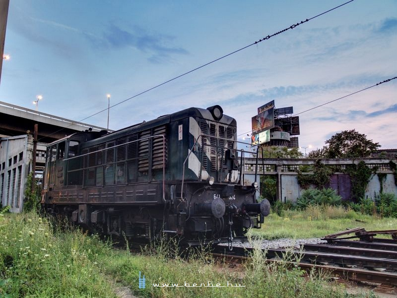 The 641-324 Ganz-MAVAG Hungarian-built shunter at Beograd depot photo