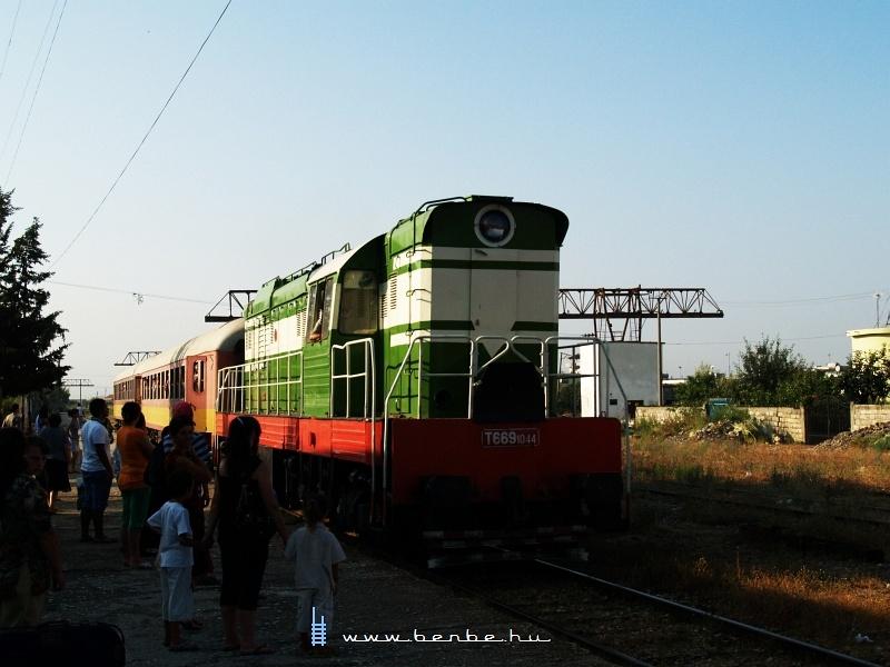 T669 1044 Lushnjëba érkezik fotó
