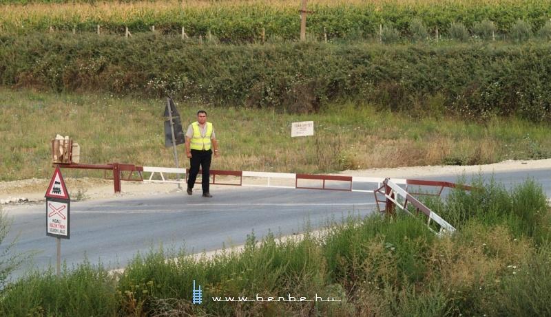 Félcsapórudas sorompó Mifol és Novoselë faluk között fotó