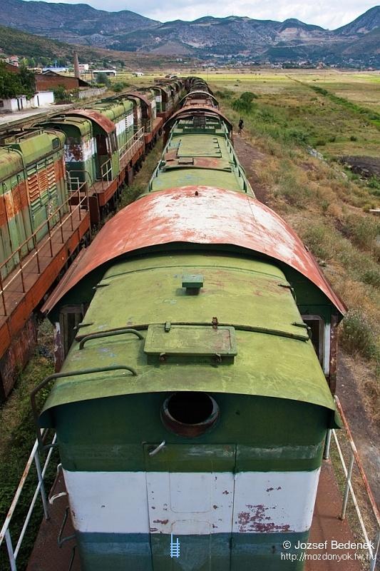 T669-esek sora Prrenjasban - egyszer majd szétvágják õket, vagy újra forgalomba állnak fotó