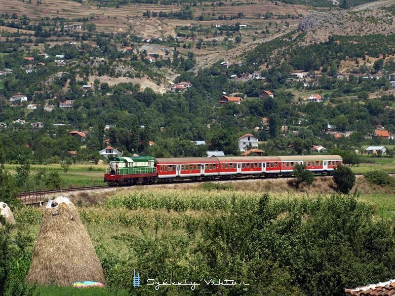 T669 1047 Prrenjashoz közeledik fotó