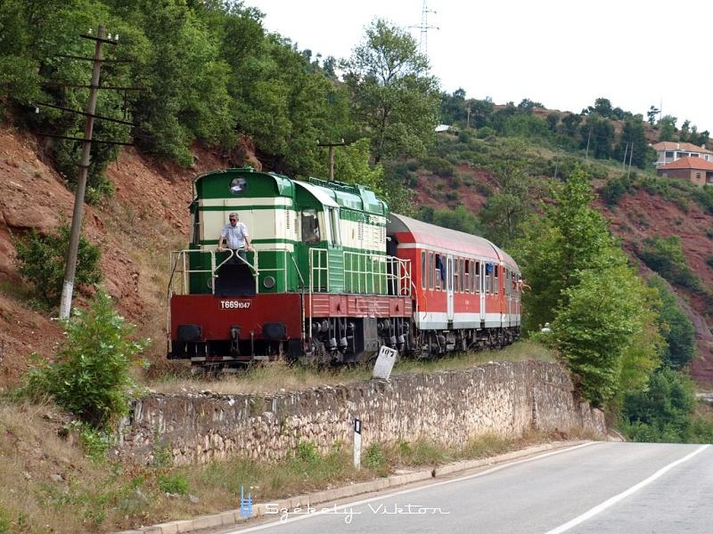 T669 1047 Xhyre és Librazhd között fotó