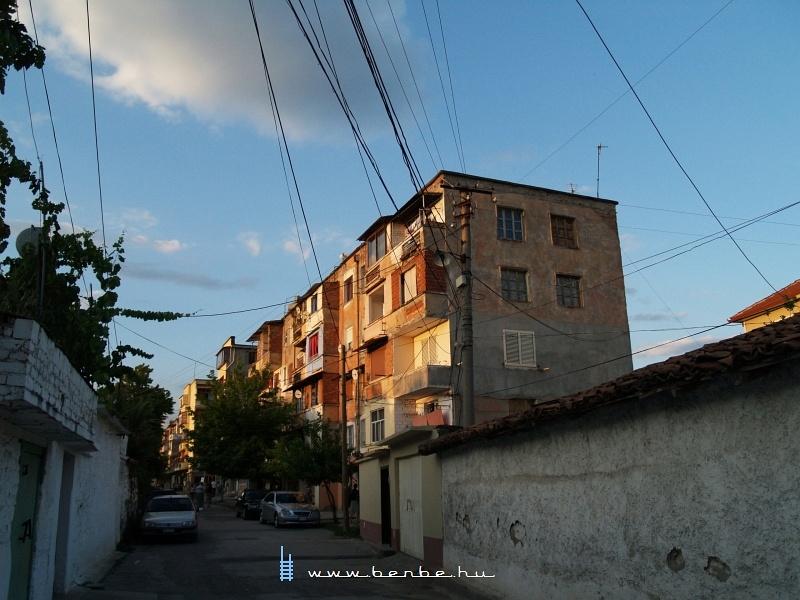 Utca Elbasanban fotó