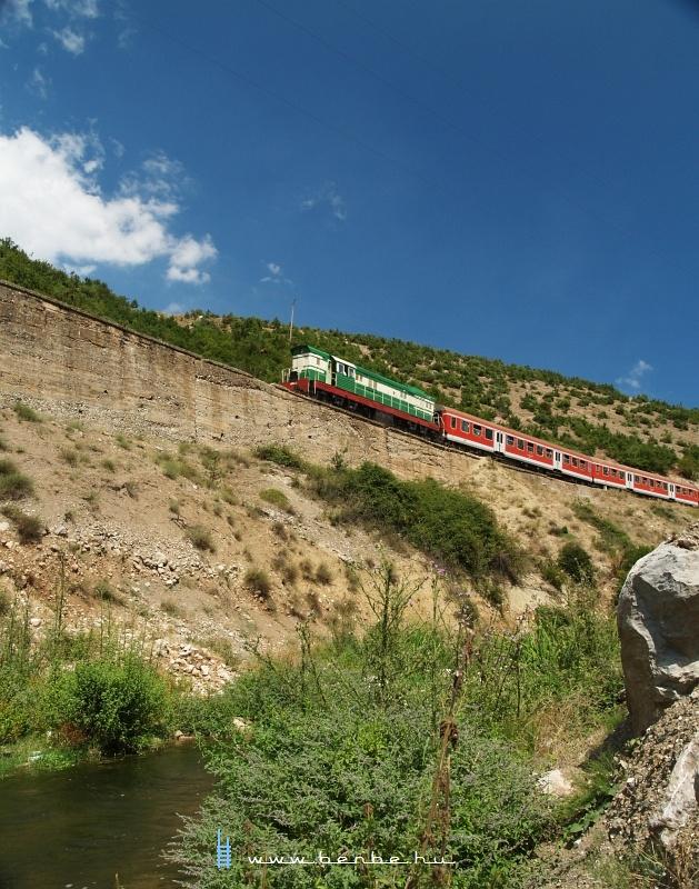 T669 1047 Prrenjas és Qukes között fotó