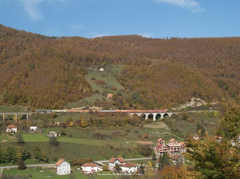 A Tara (immár nemzetközi) gyorsvonat Slijepac Most és Bijelo Polje között fotó