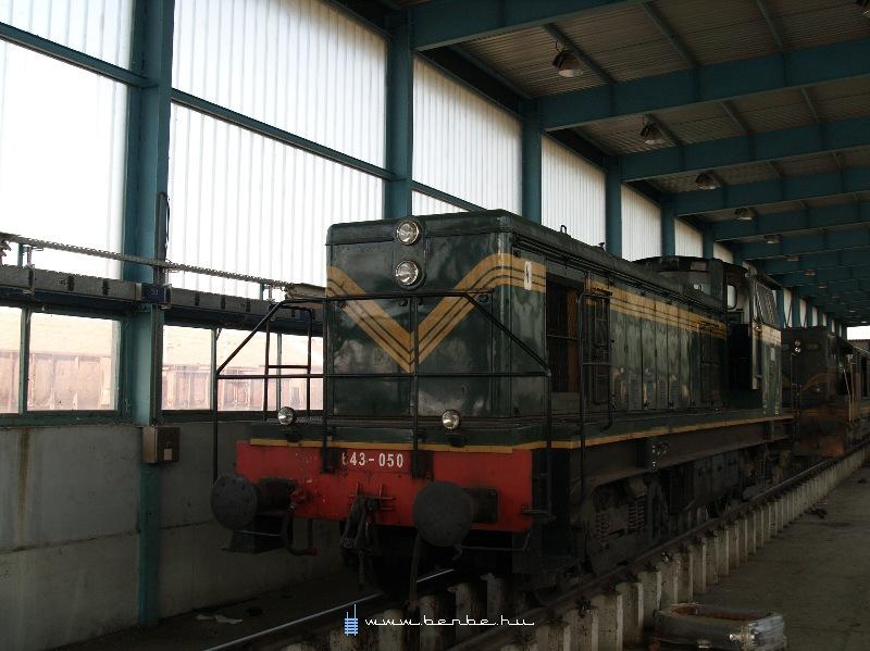 643 050 a podgoricai fûtõházban fotó
