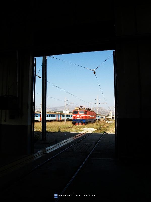461 042 a podgoricai fûtõházban fotó