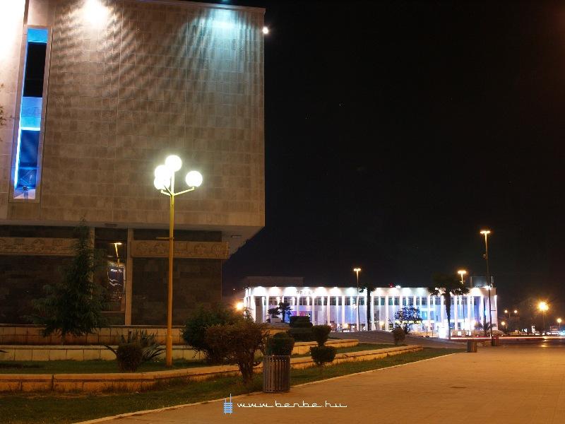 Tirana, a Szkander bég tér fotó