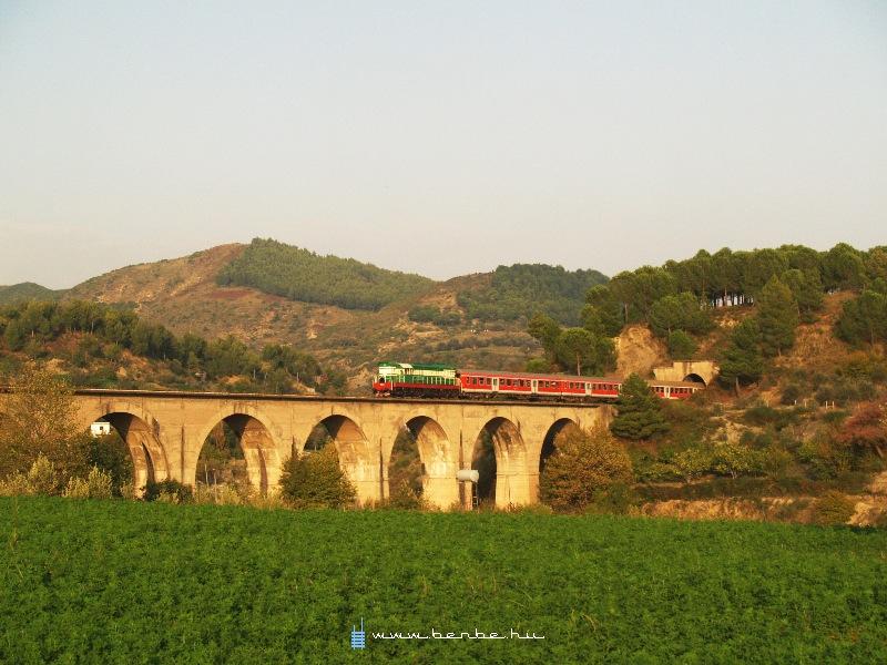 T669 1047 Elbasan és Bisqhem között fotó