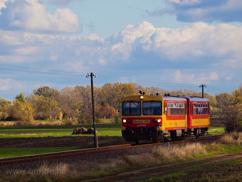 The Bzmot 179 seen near Sirató stop photo