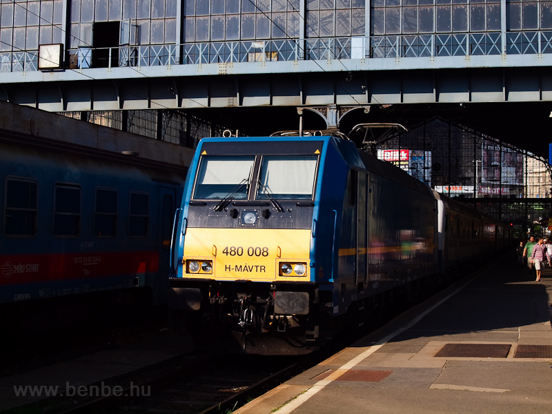 A MÁV-TR 480 008 a Nyugati  fotó