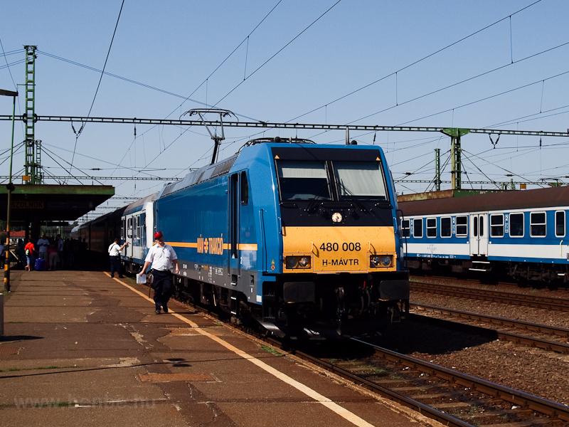 A MÁV-TR 480 008-as TRAXX Szolnokon fotó