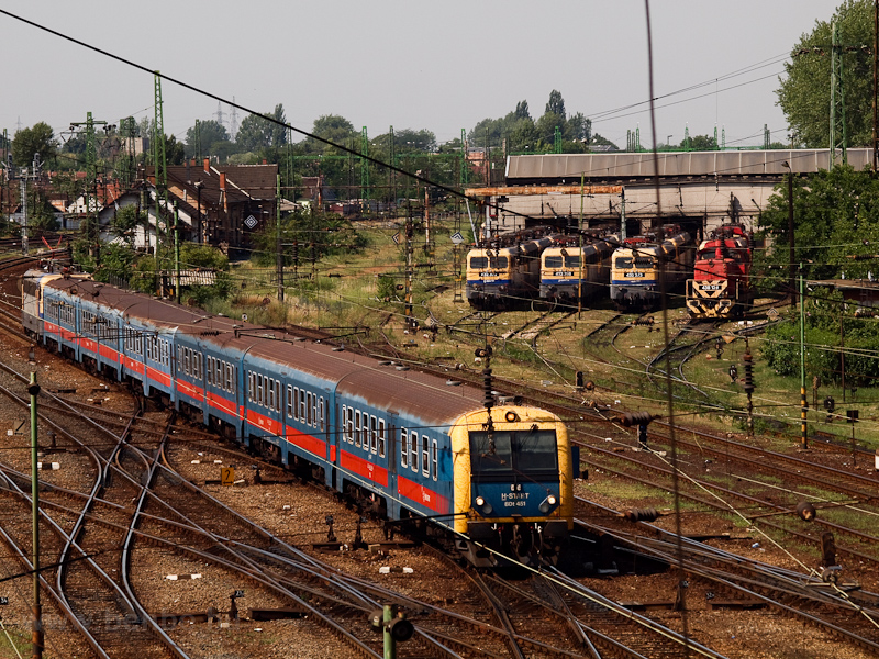 The MÁV-START BDt 451 is seen arriving at Szolnok from Budapest-Keleti photo