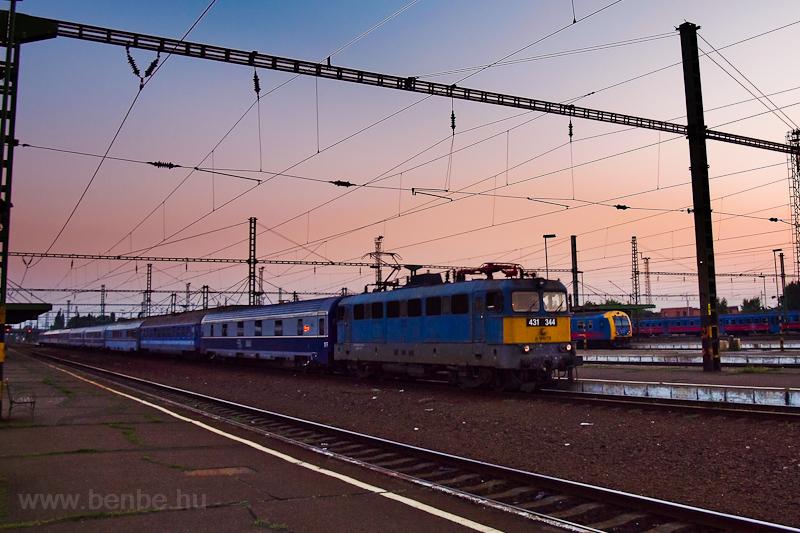 A MÁV-TR 431 344 Szolnokon fotó