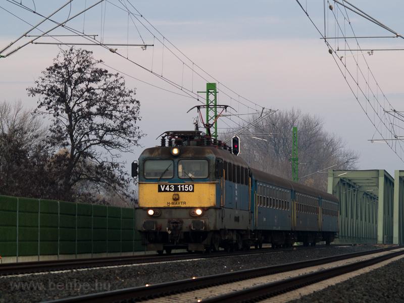 A V43 1150 Gyománál fotó