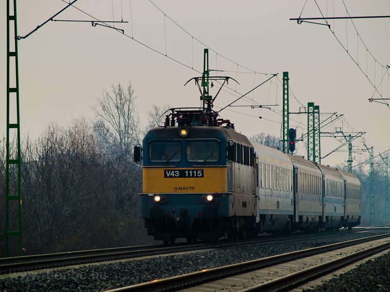 A V43 1115 Gyománál fotó