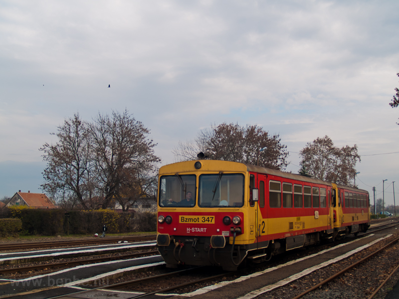 The MÁV-START Bzmot 347 seen at Vésztő photo
