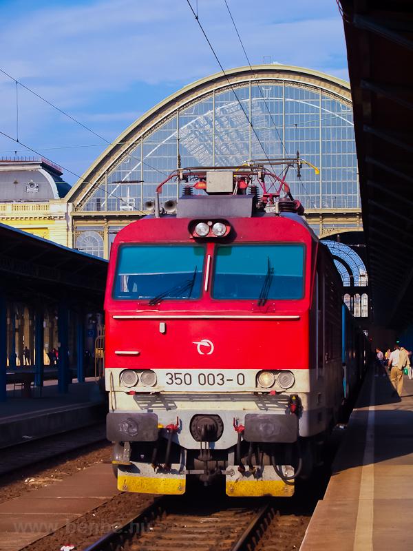 A ŽSSK 350 003-0 pályaszámú Gorilla a Keleti pályaudvaron fotó