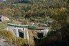 A CFR Calatori 69 0003-4 Gerlistye és Stájerlakanina között az Anina-viadukton (más néven Schlucht-viadukton)
