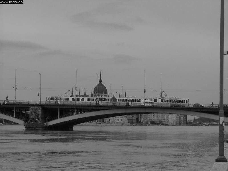 A Margit híd ICS-vel fotó