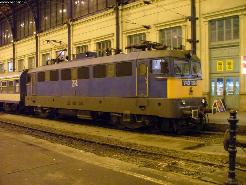 V43 1234 a Nyugatiban fotó