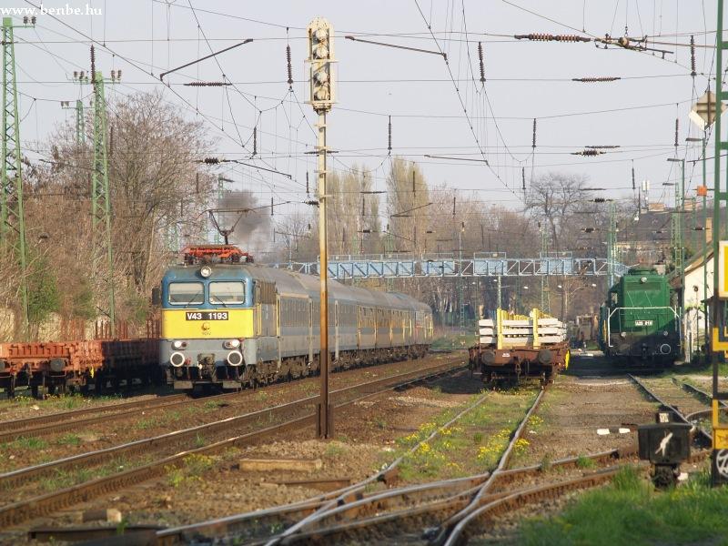 V43 1193 és A25 016 Pestszentlõrincen fotó