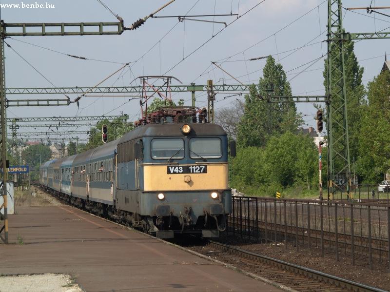 V43 1127 Kelenföldön fotó