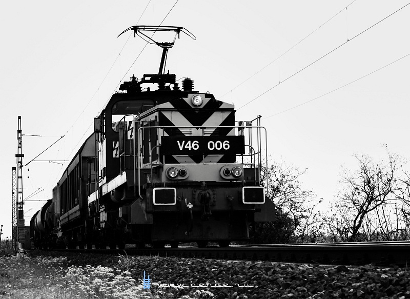 V46 006 a Déli Vasúti híd budai partján fotó