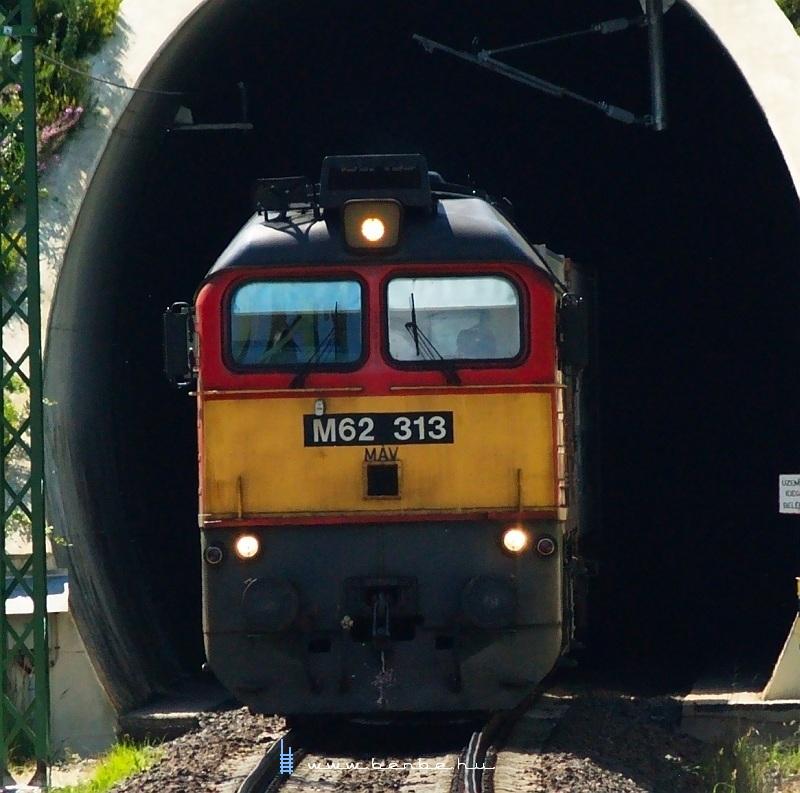 M62 313 a nagyrákosi Zsuzsi-alagútnál fotó