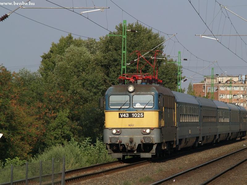 V43 1025 Barosstelepnél fotó