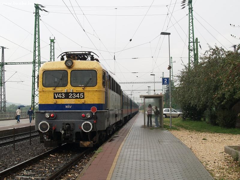 V43 2345 Sülysápon fotó