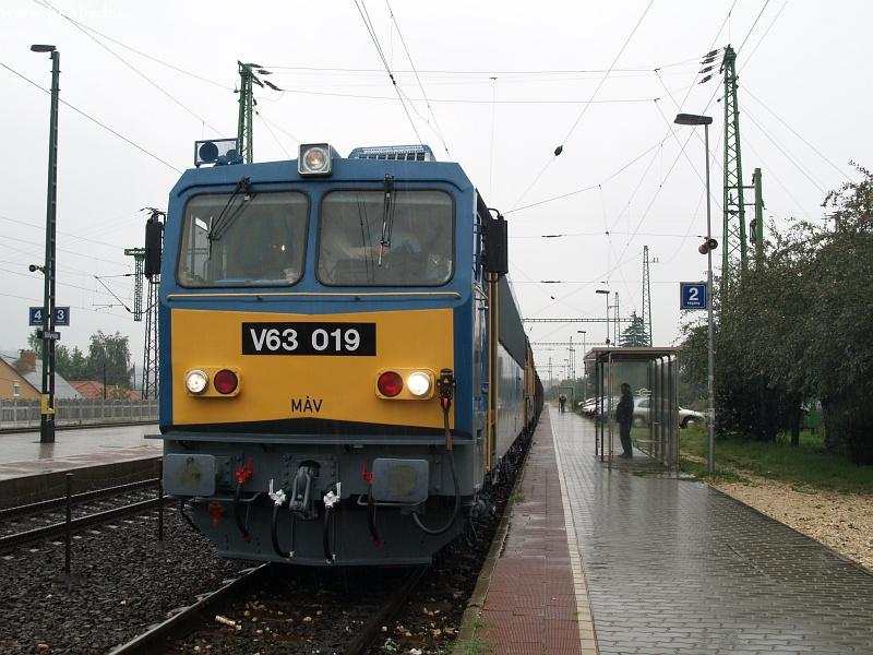 V63 019 Sülysápon fotó