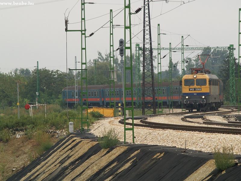 V43 2302 Maglódra érkezik fotó