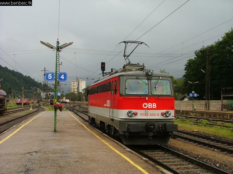 1142 595-6 Mürzzuschlag állomáson fotó
