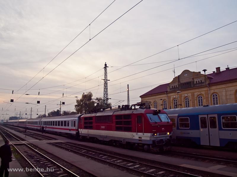 A ZSSK 350 003-0  Vác állomáson fotó