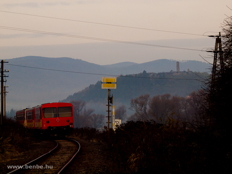 A surprisingly long train by the Nógrád castle photo