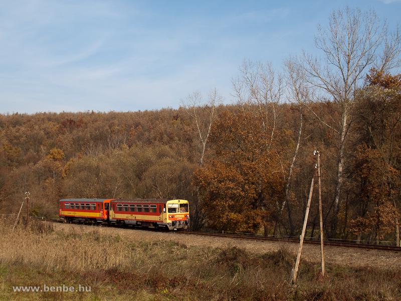 The Bzmot 350 between Berkenye and Szokolya photo